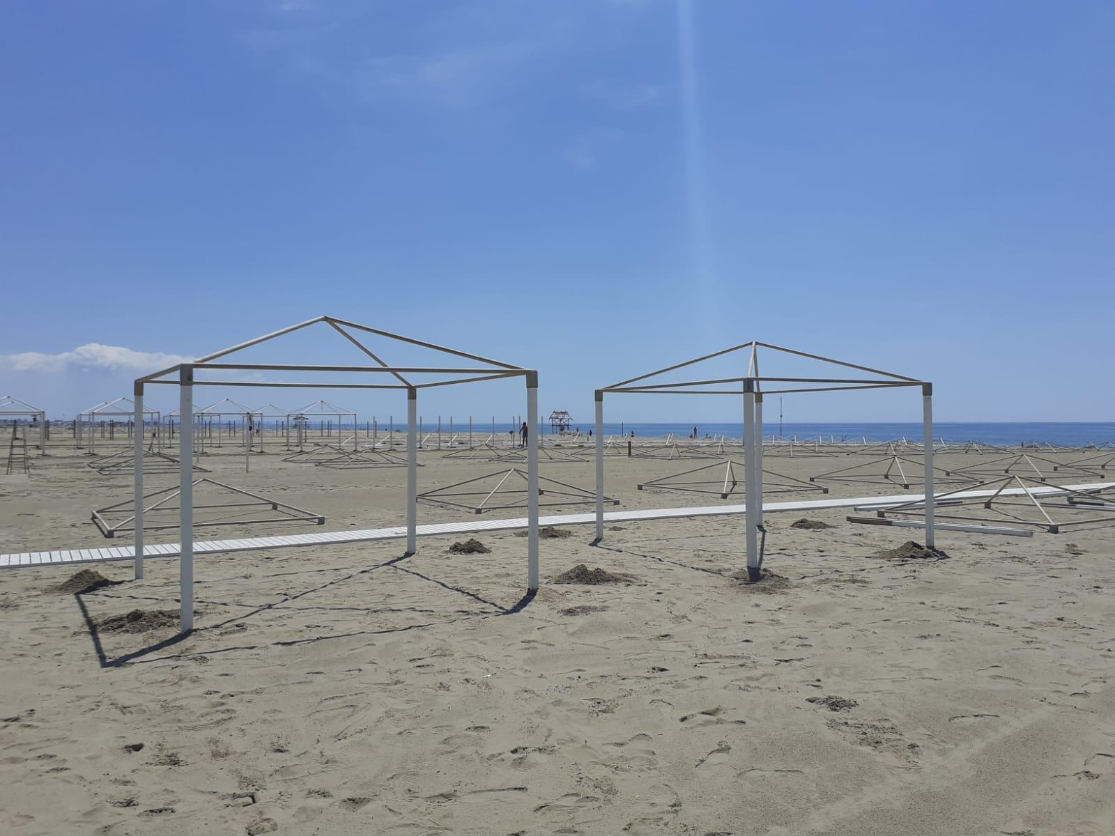 1000 ombrelloni gratis a lido di camaiore